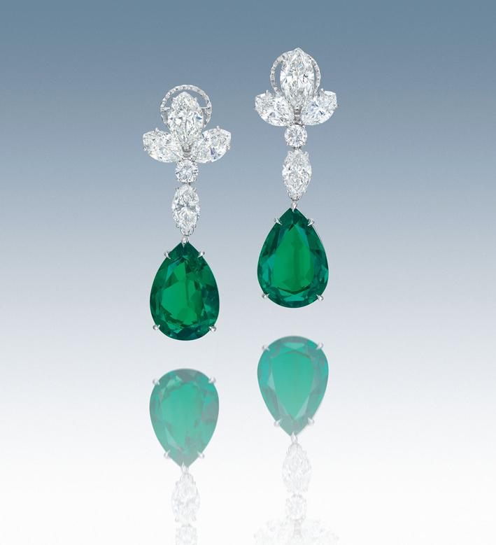 Orecchini con smeraldi e diamanti di Bulgari