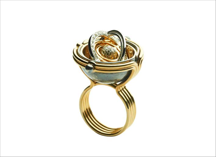 Anello in oro giallo, argento e diamanti