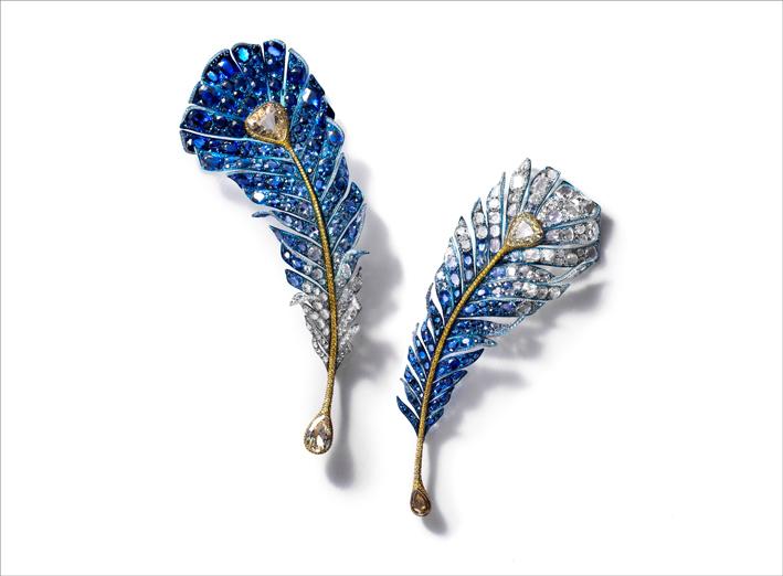 Masterpiece 2019: due spille con diamanti e zaffiri blu su titanio