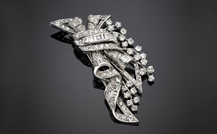 Spilla in oro bianco, platino, con diamanti rotondi baguette