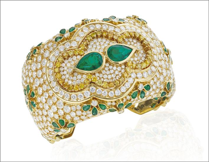Bracciale di Kutchinsky con smeraldi e diamanti bianchi e fancy