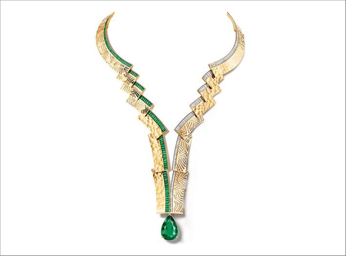 Collier Skyline, con al centro uno smeraldo colombiano taglio a pera di 16,06 carati