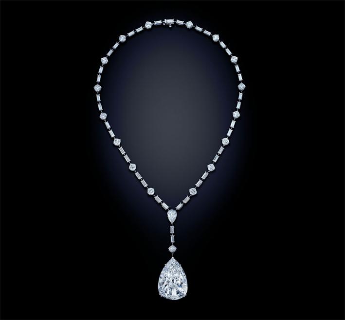 Collana con diamante taglio a pera di 49,81 carati