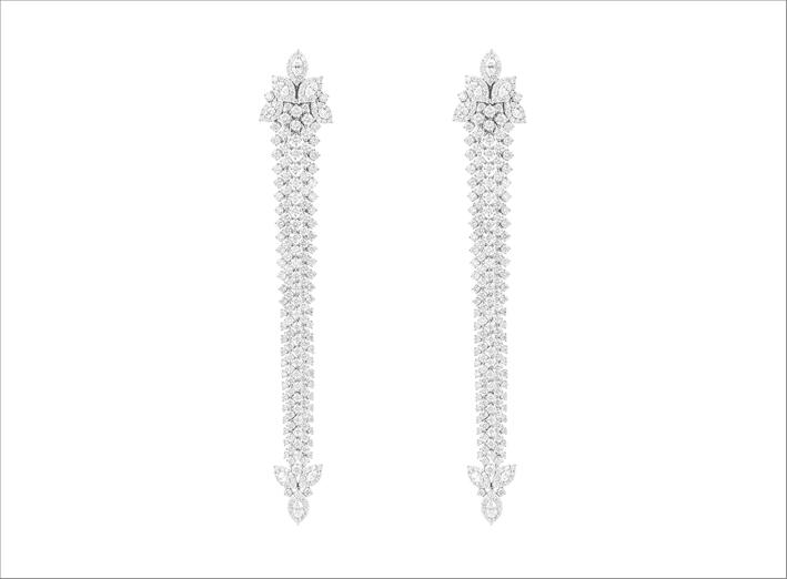 Orecchini con 12,88 carati di diamanti taglio brillante e 1,68 taglio marquise per 446 pietre