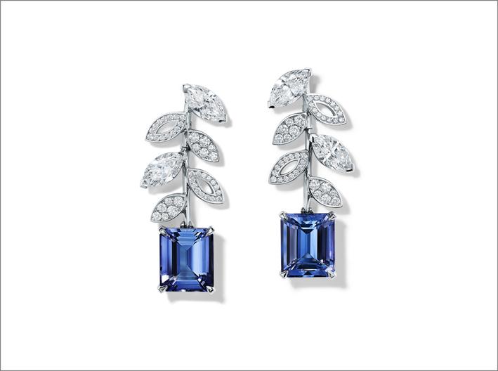 Orecchini in platino con tanzaniti e diamanti