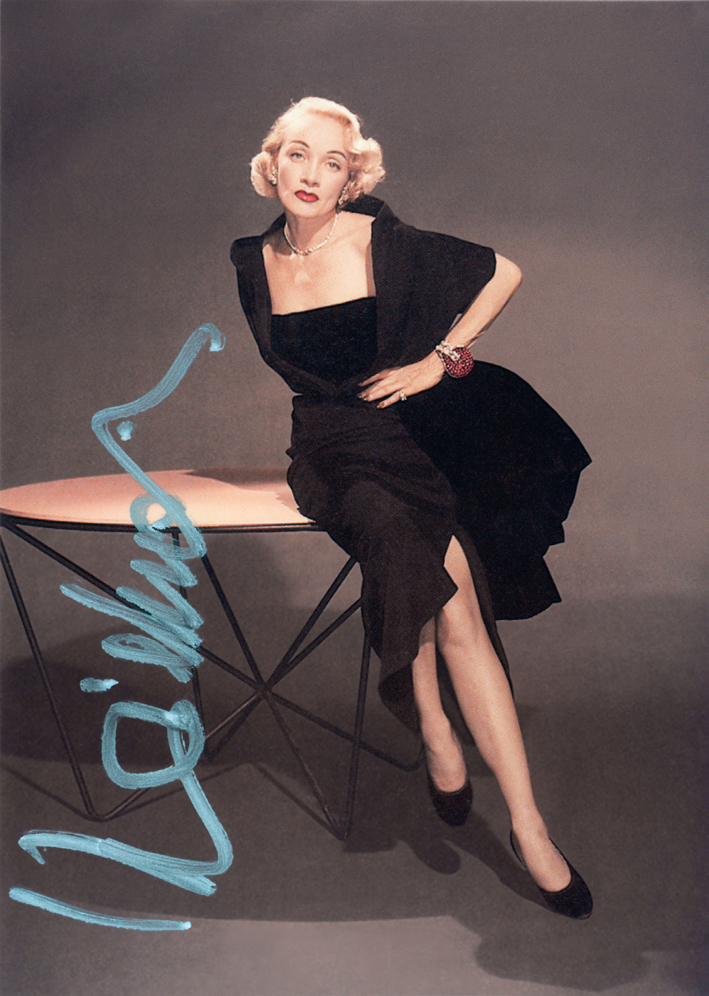 Marlene Dietrich indossa il bracciale Jarretiére agli Oscardel 1951. Immagine per gentile concessione della Marlene Dietrich Collection GmbH Munchen, Deutsche Kinemathek Collection Berlin