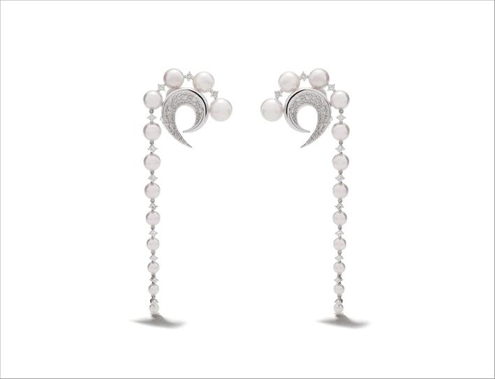 Orecchini in oro bianco 18 carati, diamanti e perle Akoya