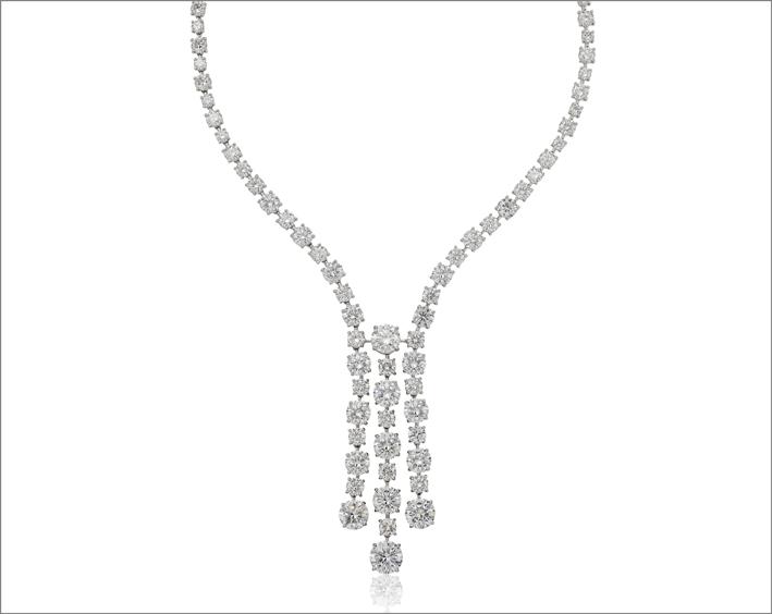 Collana con diamanti taglio brillante
