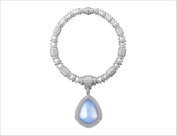 Collana Goutte de Ciel, in cristallo di rocca e pavé di diamanti, incastonata con una goccia di cristallo di rocca in aerogel, su oro bianco