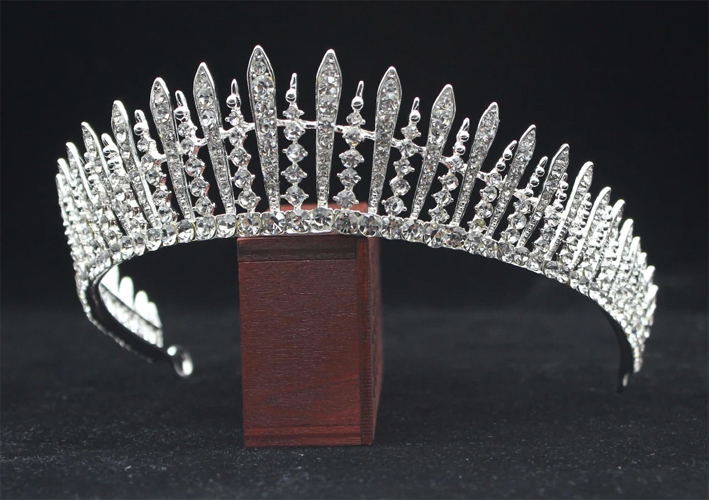 La Queen Mary's Fringe Tiara