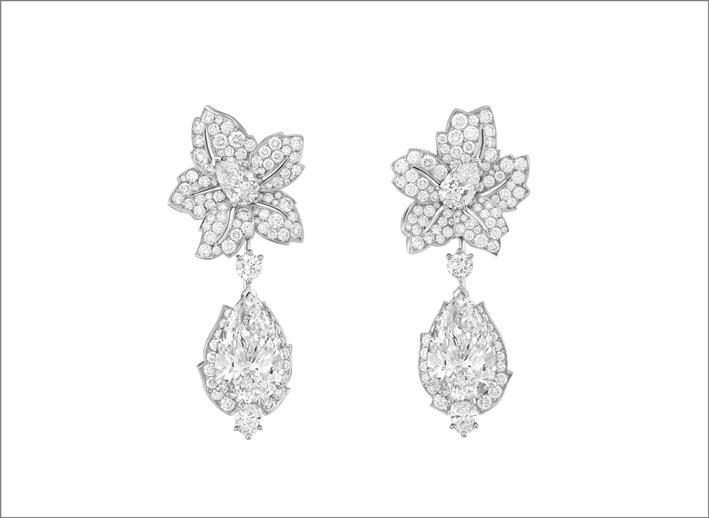 Orecchini Tendresse étincelante con pendenti amovibili Oro bianco, un diamante DFL tipo 2A taglio a goccia di 10,15 carati, un diamante DFL tipo 2A taglio a goccia di 10,06 carati, diamanti.
