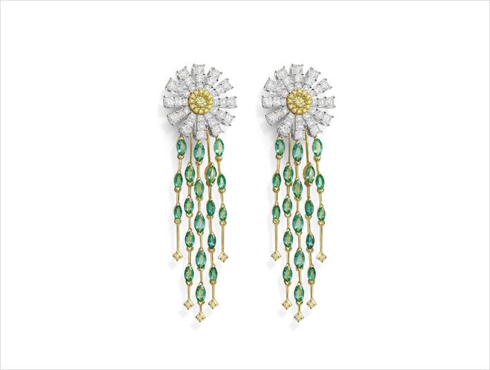 Orecchini con diamanti bianchi e fancy, smeraldi