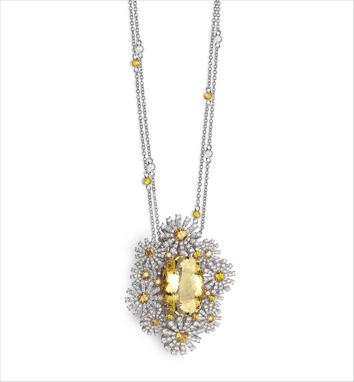 Pendente con diamanti, zaffiri rosa e berillo giallo