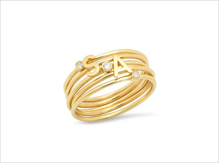Anello in oro 14 carati con iniziali