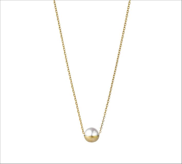Collana in oro giallo con perla Akoya
