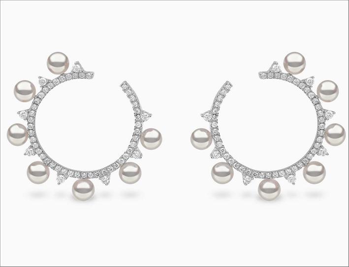 Orecchini in oro bianco, diamanti e perle Akoya