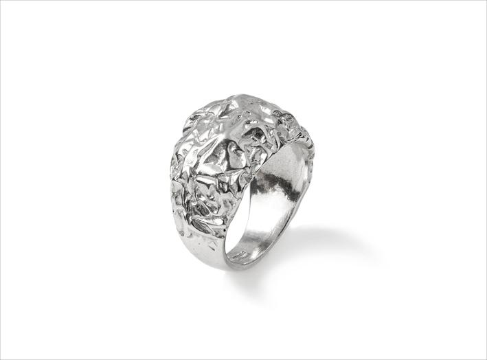 Anello in argento della collezione Petra