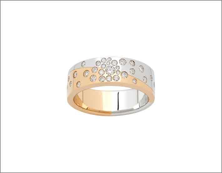 Anello in oro rosa e bianco, diamanti