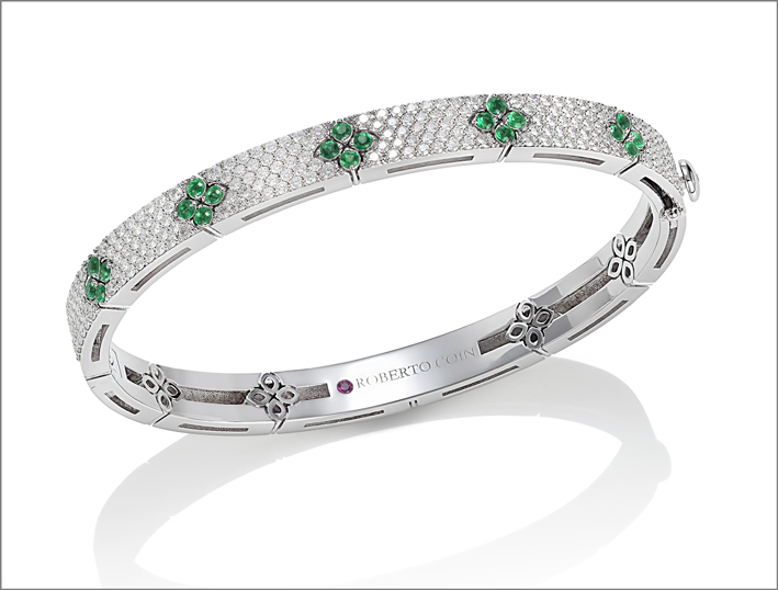 Full pavé bangle in white gold with emeralds