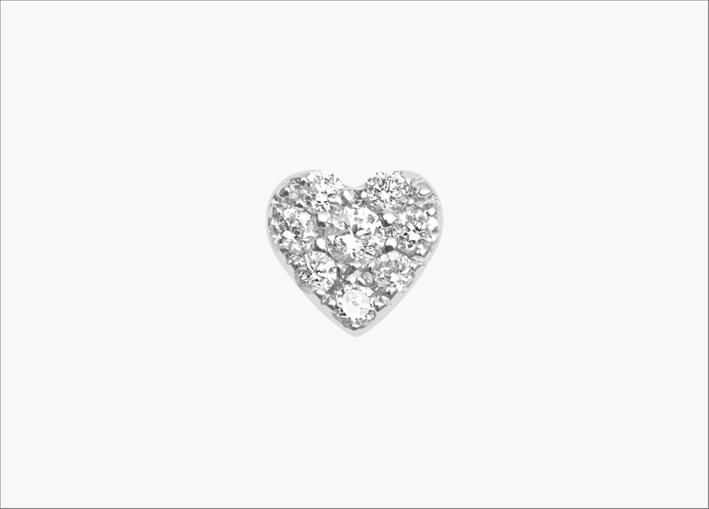 Piercing a forma di cuore con diamanti