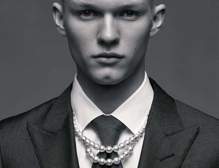 Collana di perle per uomo di Mikimoto
