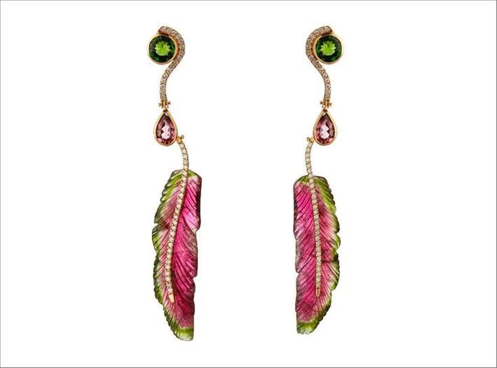 Orecchini in oro con diamanti, tormalina verde e watermelon, rubellite