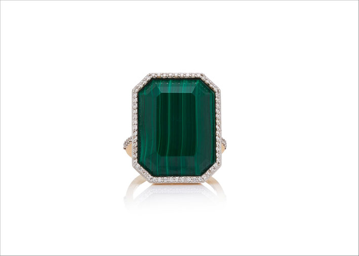 Anello in oro bianco, diamanti e malachite