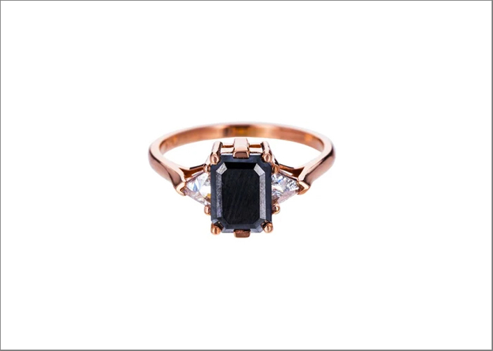 Anello in oro rosa Bea Solitaire con diamante nero
