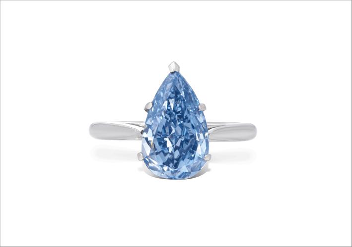 Anello con diamante blu di 3,96 carati
