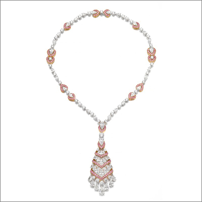 Collana di Graff con diamanti bianchi e rosa a forma di pera e brillante