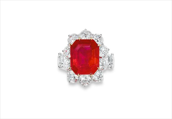 Anello con rubino ottagonale di 13,01 carati e diamanti di Jar