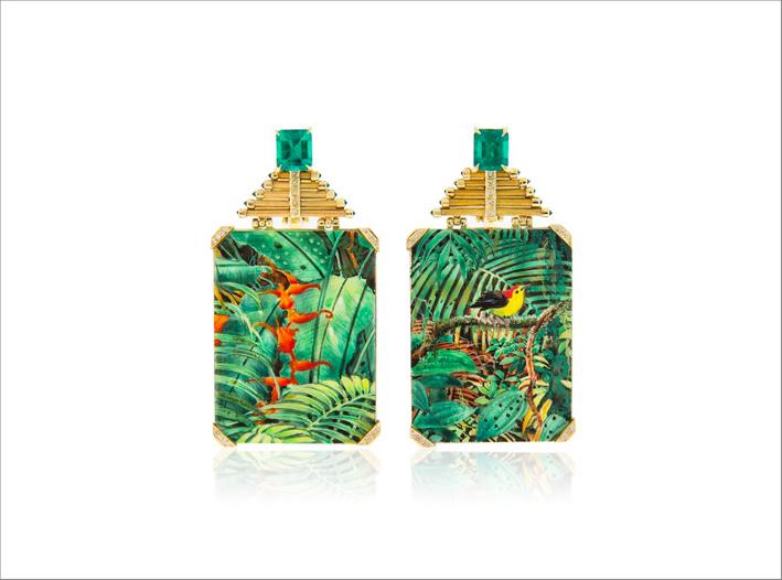 Orecchini di Silvia Furmanovich con smeraldi su oro e miniature