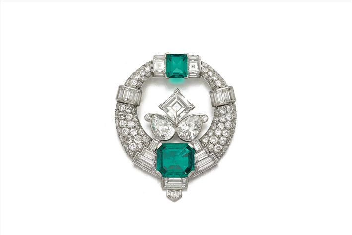 Spilla di Cartier anni Trenta con smeraldi e diamanti