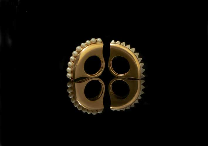 Anelli della collezione Luna, in oro e perle