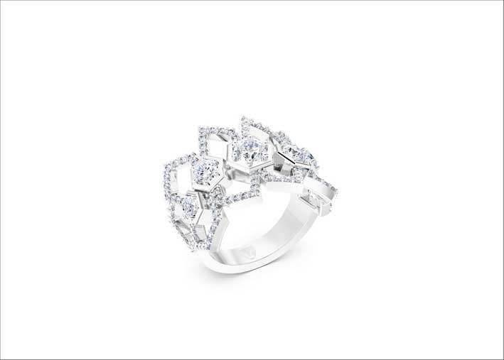 Anello in oro bianco e diamanti di Luminous Diamonds