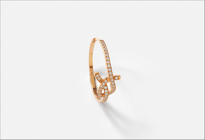 Orecchino in oro rosa e diamanti