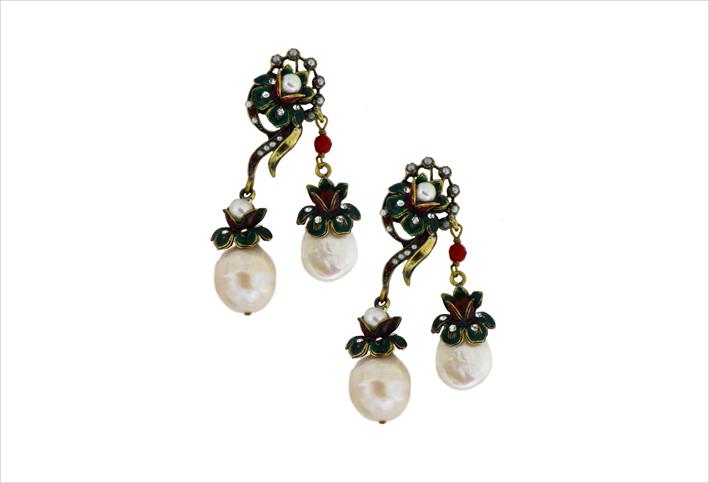 Orecchini Ilenia, con perle naturali