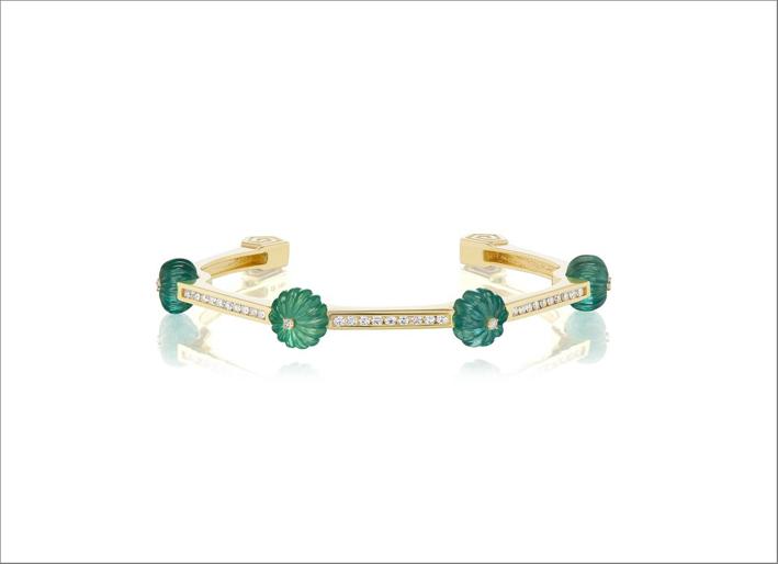 Bracciale in oro giallo, smeraldi e diamanti