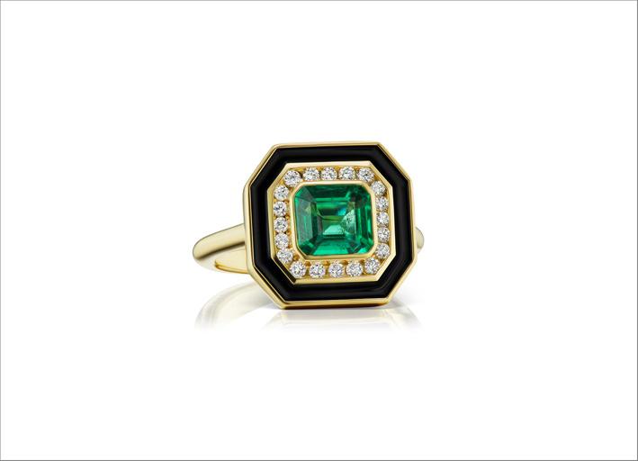 Anello in oro giallo, smeraldo, diamanti e smalto nero