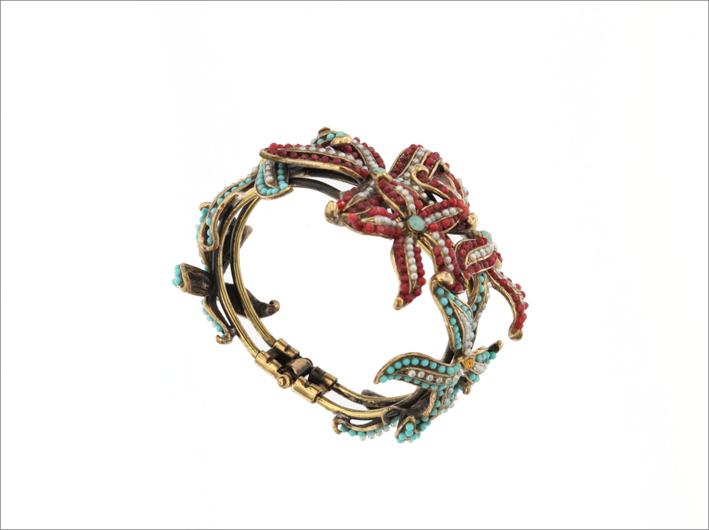 Bracciale Mashira, in bronzo e ottone, perle naturali, pietre semipreziose e paste vitree