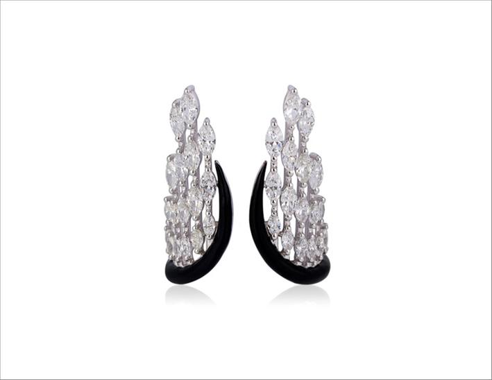 Orecchini Ali d'angelo in oro bianco, diamanti e smalto nero