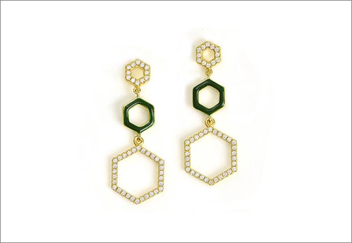 Orecchini in argento placcato oro 18 carati, con cubic zirconia e smalto verde