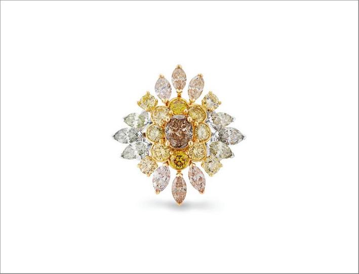 Anello Landers Radiance, con diamante centrale di forma ovale arancione fancy brown da 1,01 carati