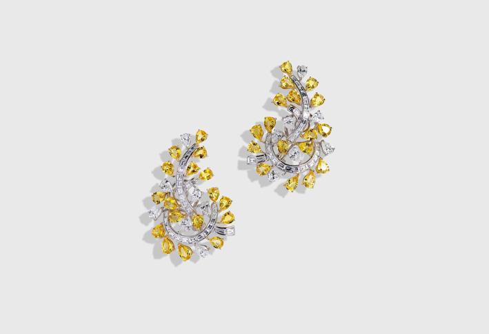 Orecchini con diamanti e zaffiri gialli
