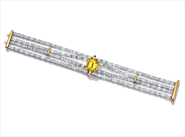 Bracciale con diamanti bianchi e fancy yellow