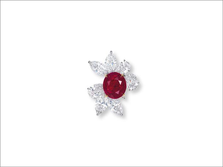 Anello con rubino e diamanti di James W. Currens per Faidee