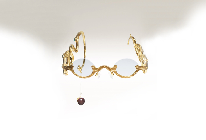 Occhiali in oro giallo 24 carati, diamanti cognac, zaffiri rosa, tormalina rossa
