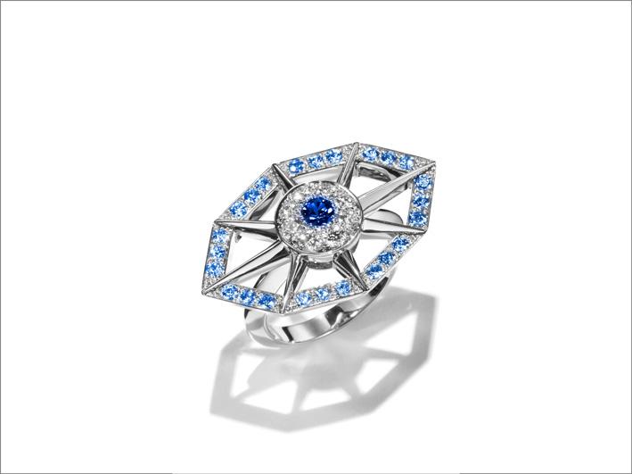 Anello in oro bianco, diamanti, zaffiro blu