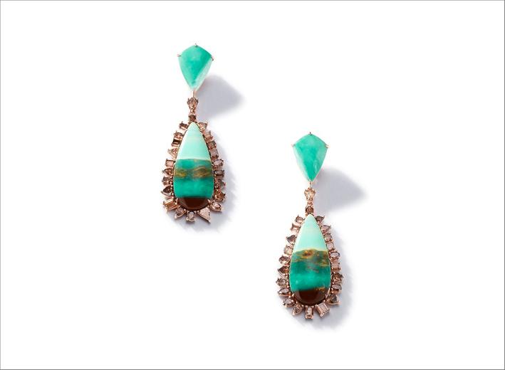 Orecchini in oro rosa 18 carati, legno mineralizzato-opale, diamanti