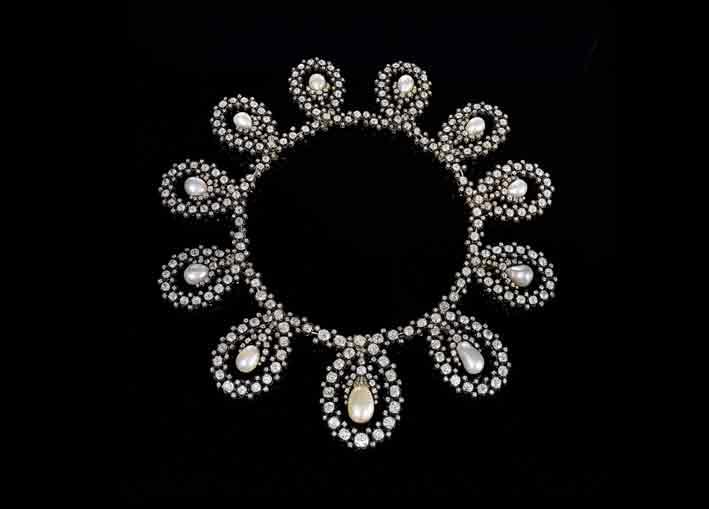 La royal tiara in versione collana. Photo: courtesy Sotheby's